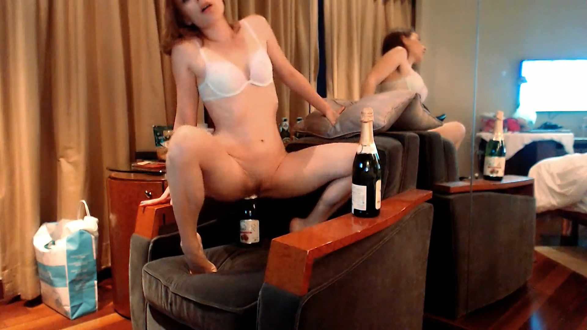 Double bottle fuck – LittleMissKinky | Full HD 1080p | April 27, 2017